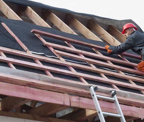 Cum eviti putrezirea sipcii de lemn de sub acoperis